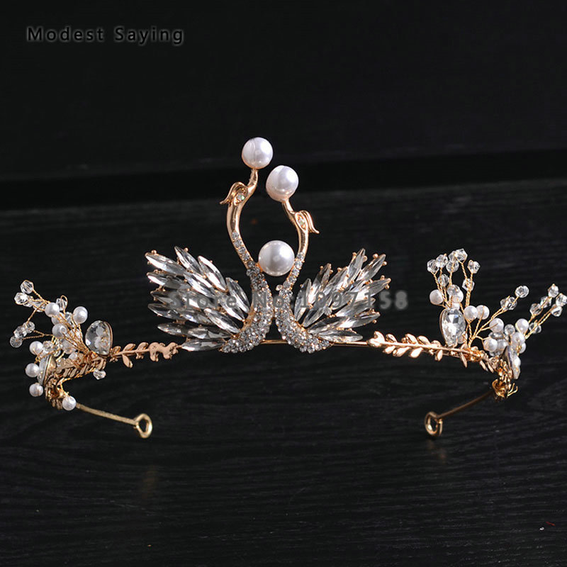 цена Elegant Gold Crystal Wedding Tiaras 2018 with Pearls Head Crowns Bridal Hair Jewelry Wedding Accessories Ballet Swan Headpiece