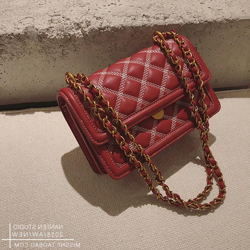 все цены на Free shipping, 2018 new chain handbags, tide small square package, fashion woman shoulder bag, han edition messenger bag.
