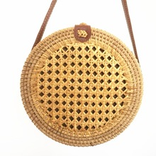 2019 new womens shoulder bag bamboo rattan ins Bali hollow straw summer beach Messenger