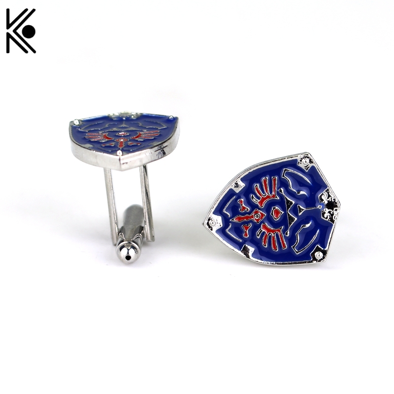 New design 3D Game Legend Of Zelda Triforce Shield Cuff links For Mens And Women Fashion Shirt Brand Christmas gift