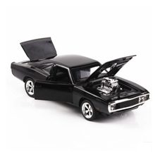 FlyingTown 1:32 Metal Alloy Diecast Pull Back Model Vehicle Classic Car Toys for Kids Boys Christmas Gift wholesale