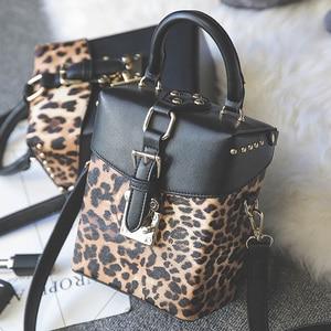 Image 1 - 유명 브랜드 맞춤형 큰 핸드백 미니 큐브 브랜드 원래 디자인 crossbody 가방 여성 메신저 가방