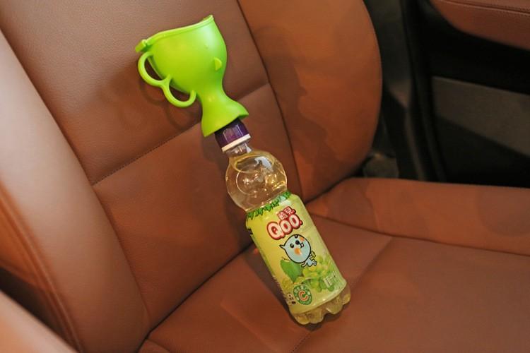 Kaasaskantav pudeli külge kinnitatav pissuaar poistele