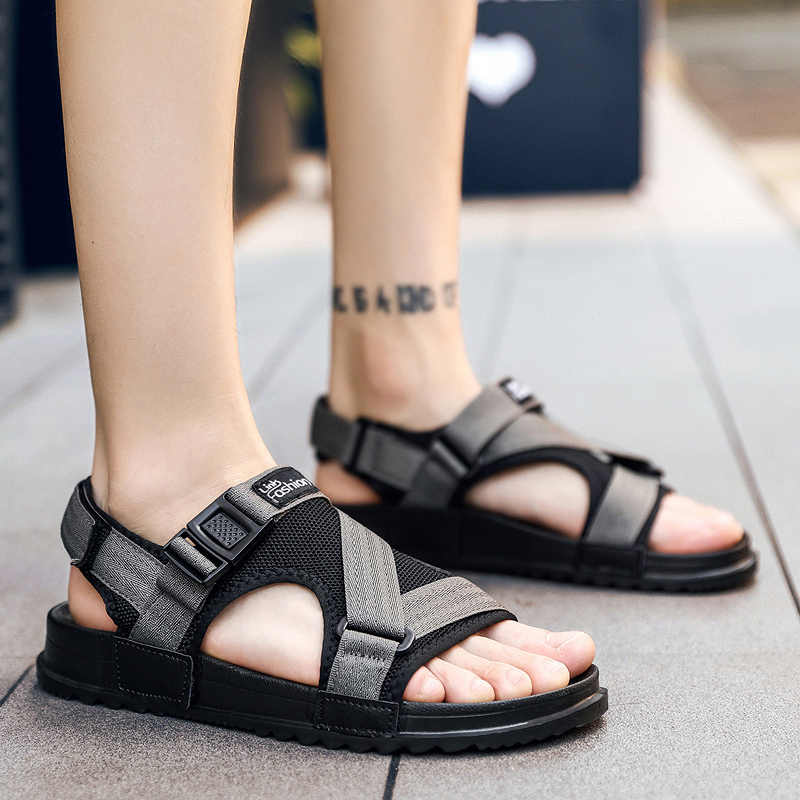 c02b96e020c5ae ... DUDELI Fashion Man Beach Sandals 2018 Summer Gladiator Men s Outdoor  Shoes Roman Men Casual Shoe Flip ...