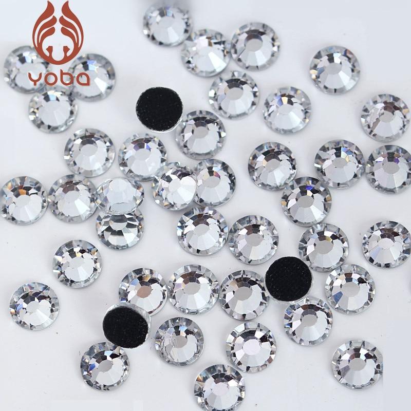 40/x claro coraz/ón resina cristales con Mini Coraz/ón Rojo centro parte trasera plana diamante brillantes tarjetas adornos para manualidades