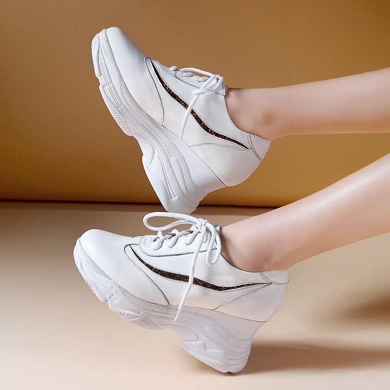 Ayakk.'ten Vulkanize Kadın Ayakkabıları'de Krazing Pot 2019 sıcak satış inek deri platformu superstar büyük boy 42 41 40 yuvarlak ayak lace up beyaz renk vulkanize ayakkabı L3f2'da  Grup 3