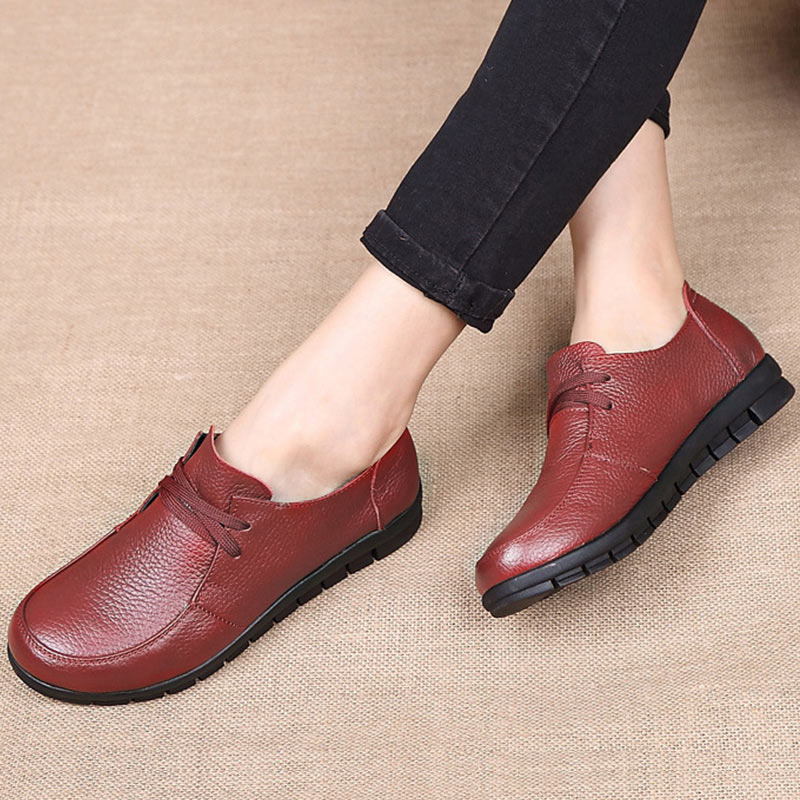 Designer Women Flats Genuine Leather Shoes Female Slip On Loafers Anti Slip Moccasins Casual Zapatillas Mujer 2019 Plus Size