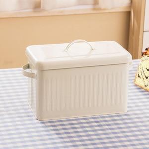 Image 2 - 8L גדול מתכת לחם קופסא עם מכסה אבק הוכחה מקרה קרם לבן רטרו אחסון סל מטבח מזון מיכל ארגונית אחסון תיבה