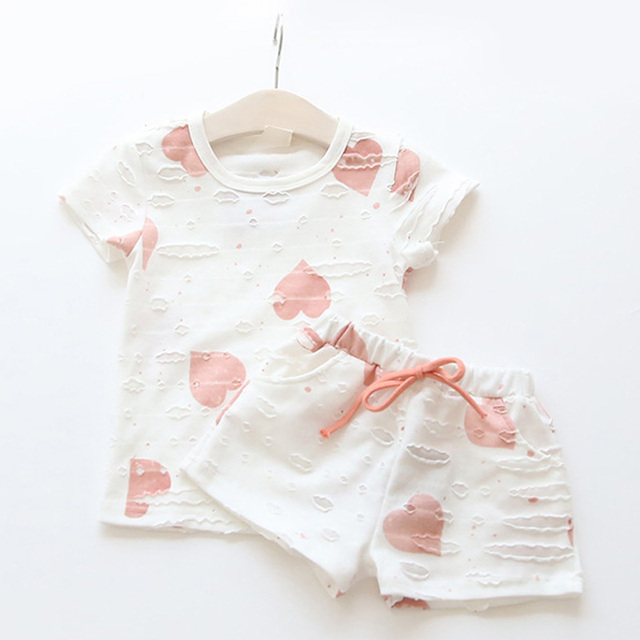 Baby Girls Clothes Sets 2017 Summer Heart Printed Girl Short Sleeve Tops Shirts + Shorts Casual Kids Children's Clothing Suit
