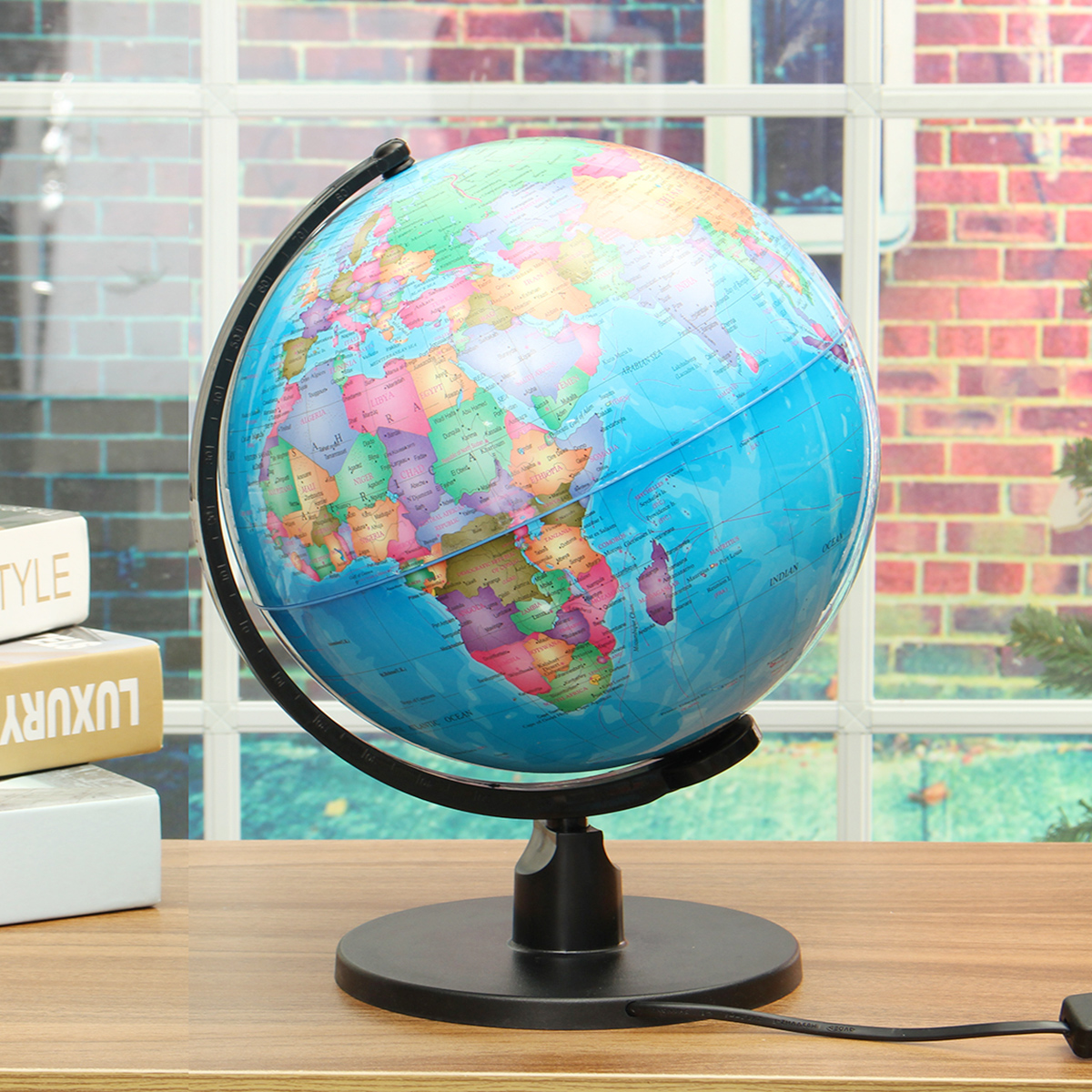 17CM LED light World Earth Globe Map Geography Educational Toy With Stand Home Office Ideal Miniatures Gift office gadgets картины декарт репродукция 50 50 1 арт д в6