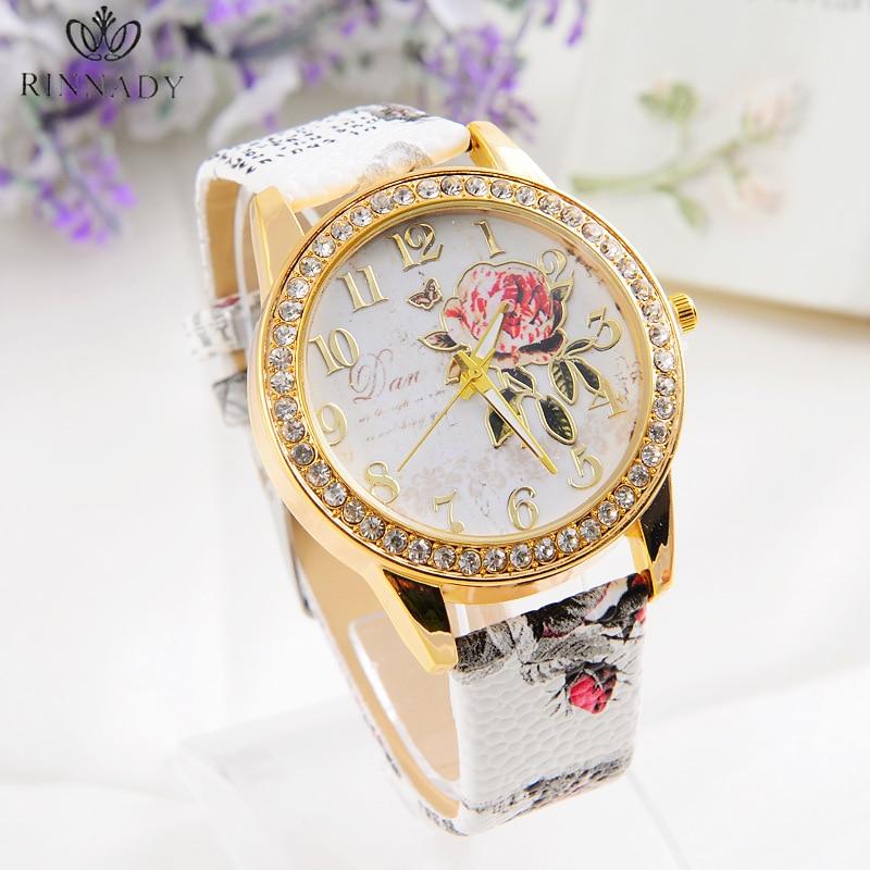 RINNADY 2018 Moda Reloj Mujer Vestido de flores Reloj Mujer Hora Vestido de cuero Dama de cuarzo analógico Vogue Reloj Relogio Feminino