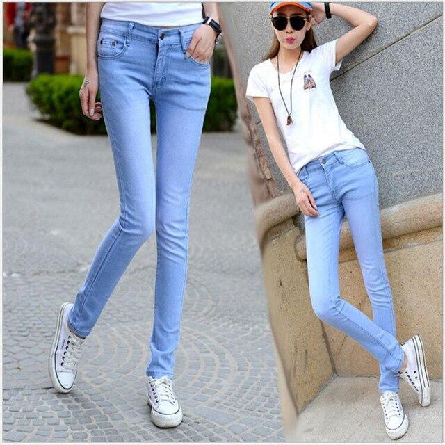 2018 nuevos Jeans para mujer moda elasticidad Jeans Mujer Casual pantalones  lápiz Pantalones azul cielo mujer 8d70318be85