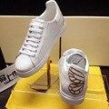Venta caliente Con Cordones de Zapatos de Plataforma de Las Mujeres Zapatos Para Caminar de Nuevo Bordado de La Mariposa de Tacón Zapatos Casuales Zapatos Planos de la Mujer Zapatos Mujer