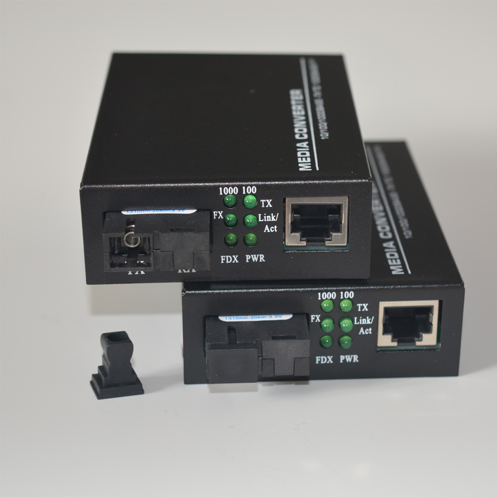 High Quality 10/100/1000Mbps Gigabit Ethernet to Fiber Media Converters for CCTV Security system 1Pair