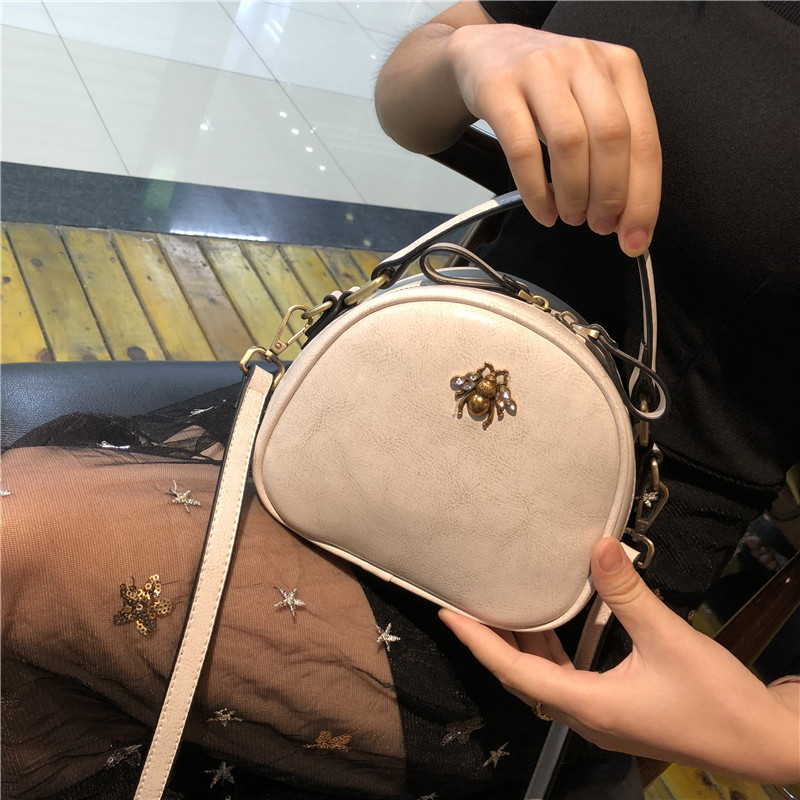 Female bag genuine leather 2018 new style small bag mini Korean version of fashion with one shoulder slanted mobile phone bag be version of the new tassel mobile phone bag mini factory direct lady slung small bag small fresh shoulder bag 0724