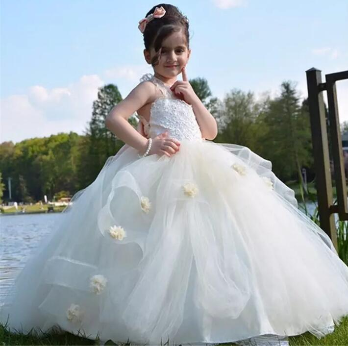 Cute White Ivory Appliques Flower Girls Dresses With Bow Sleeveless Floor Length Kids Pageant Wears Gowns For Communion Dress elegant lace floral appliques flower girls dress cute mint green sleeveless pearls beaded kids pageant ball gowns for communion