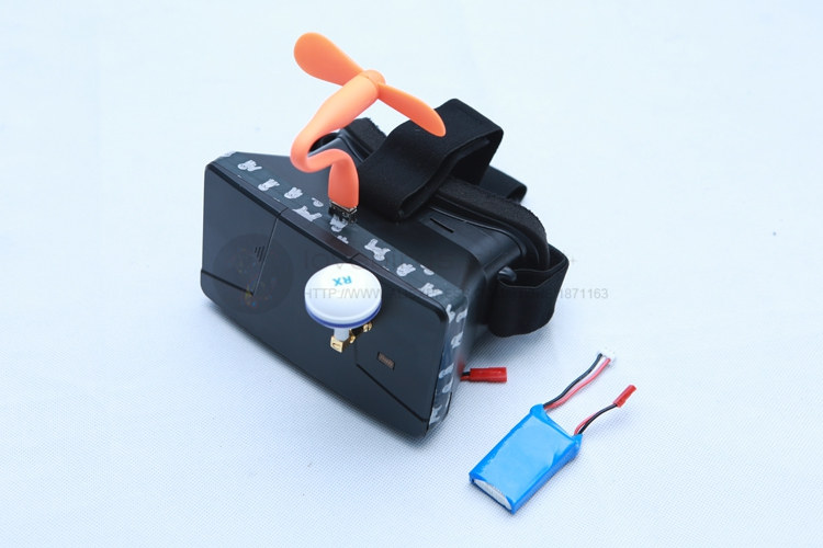 FPV video goggles 4.3-inch 5.8G built-in video transmission receiver 8 / 32 frequencies for DIY cross racing mini drone QAV250 wireless video fpv rctransmitter receiver 5 8g 200mw 23dbm 8 channels for rc drone qav250 cctv camera video camera toy parts