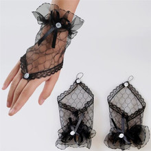 2018 New Arrival Sexy Black Wedding Gloves Short  Fingerl Tulle Lace Appliqued Wrist Length Woman Bridal Party Gifts Accessories