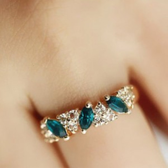Fashion cute Austrian crystal ring sweet sparkling ring female gold color Green