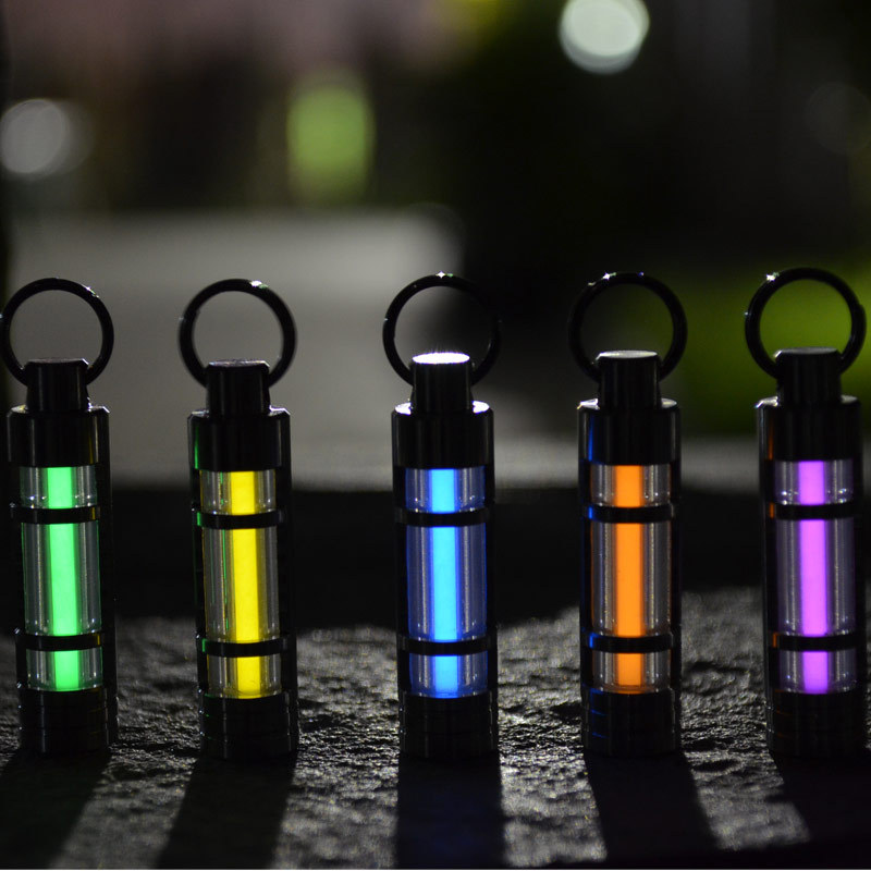 Livraison gratuite lumière automatique 25 ans titane tritium porte-clés tube fluorescent sauvetage lumières de secours 5 couleurs