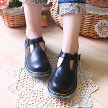 วินเทจปริ๊นเซโลลิต้ารองเท้าTกลอนตุ๊กตารอบนิ้วเท้าสีดำสีน้ำตาลวินเทจแบนจุดต่ำสุดรองเท้าเดียว