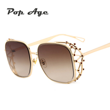 Pop Age 2018 Hollow Metal Frame Vintage Diamond Square Sunglasses Women New Crystal Celebrity Sun Glasses Ladies Eyeglasses