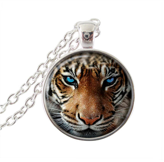 US $6 73 25% OFF|Snow Griffin necklace Everquest jewelry glass cabochon  pendant Griffin jewelry silver chain choker women men neckless wholesale-in