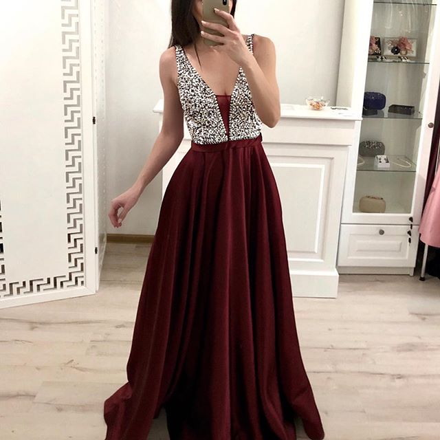 Longue robe de soirée bordeaux avec cristal une ligne profonde col en V pleine longueur en mousseline de soie Junior Graduation robes de bal 2019 robes arabes