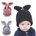 Encantador Lindo muchachos de los bebés de punto de ganchillo invierno sombreros con orejas de conejo conejo estilo europeo gorros cap