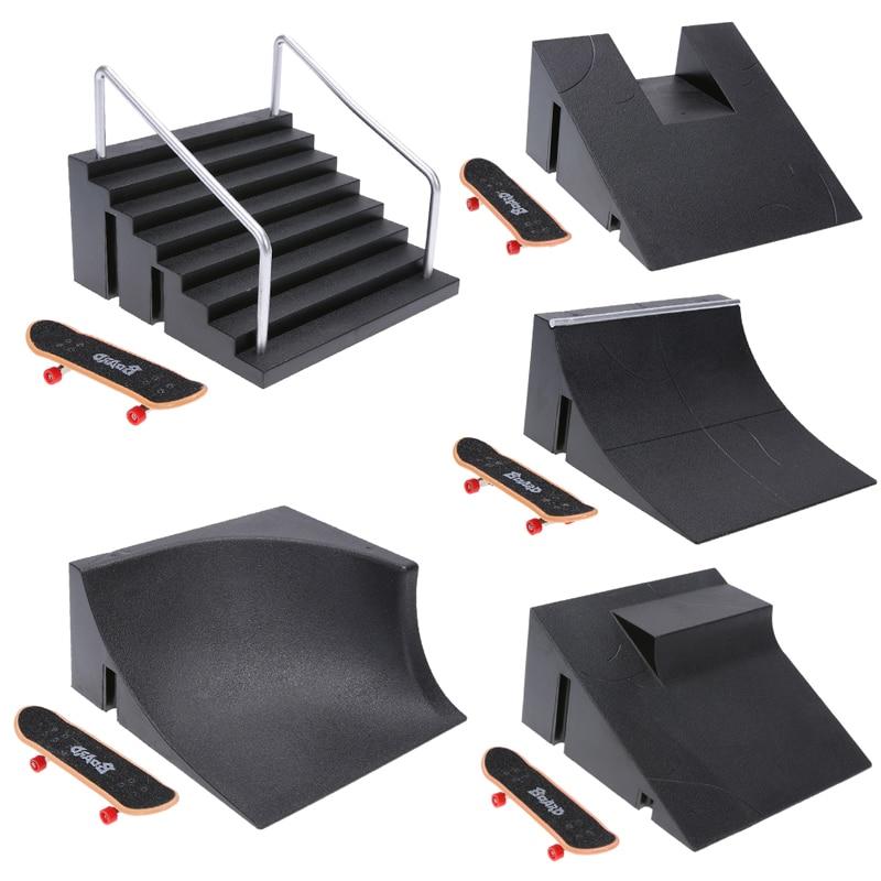 Plastic Mini Finger Skateboarding Fingerboard Toys