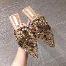 Brand Fashion 2019 Women Slip On Mules Loafer Flat Slides Pointed Toe Crystal Female Rivet Slippers Casual Shoes