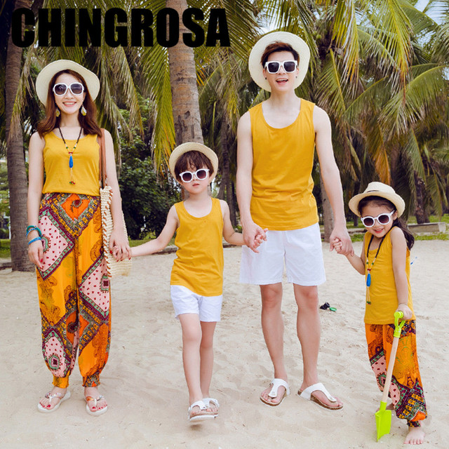 8d53e55128 Family Matching Outfits Mother Daughter Summer Geometric Print Beach Dresses  Tees Shorts Family Look Girls Boys Clothes Sets