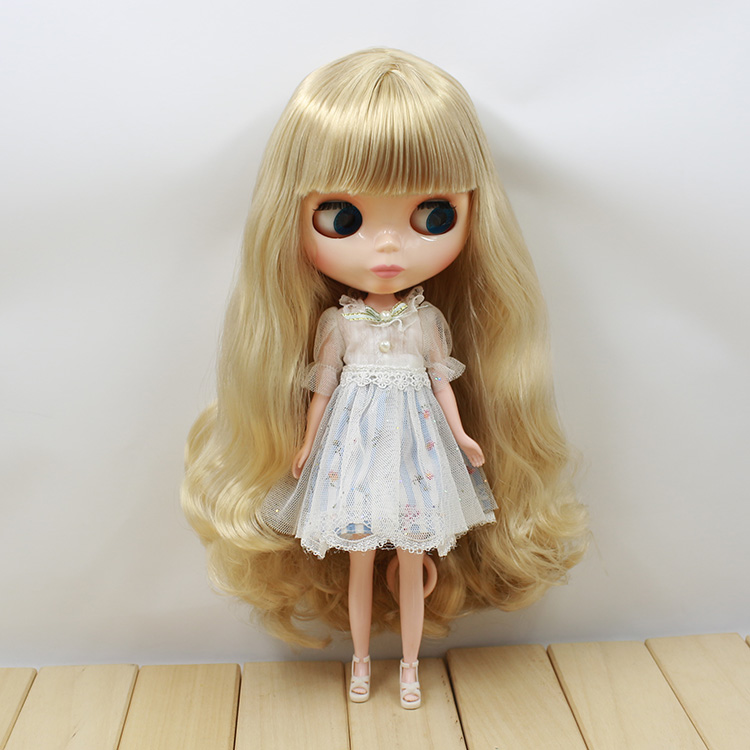 Free shipping Neo Blyth Nude doll light gold hair with bangs suit for DIY fashion dolls  free shipping neo blyth nude doll light gold hair with bangs suit for diy fashion dolls