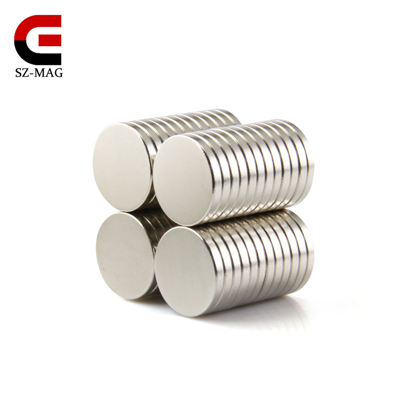 100 pièces et 200 pièces 15x2mm Strong Ronde Rare Earth NdFeb gros aimants néodymes Aimant N50