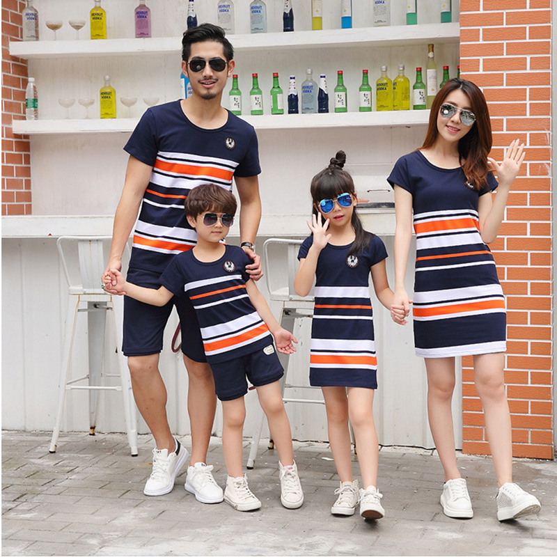 Family Matching Clothes Summer Fashion Mother Daughter Dress Father Son Short Sleeve Cotton Tshirt Patchwork Striped Family Look все цены