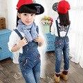 2016 otoño ropa de los niños niñas pantalones vaqueros del bebé causal azul denim bebé de los pantalones vaqueros para chicas grandes niños jeans monos largos pantalones