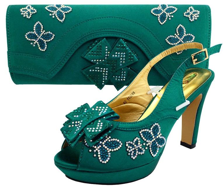 Terbaru 2017 desain wanita sandal sepatu tinggi tumit 4.6 inches sepatu  italia dengan tas yang cocok 9a537b3945d4