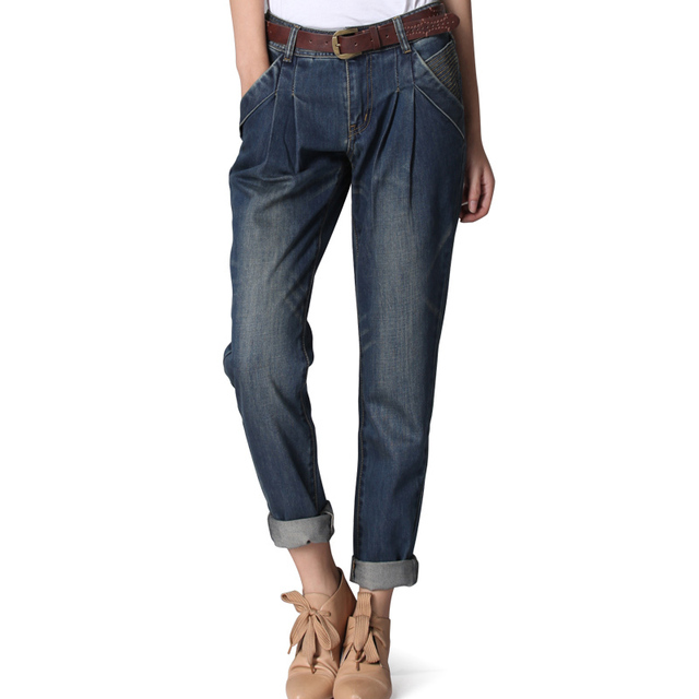 """WOMEN'S BOYFRIEND JEANS Women's boyfriend jeans are the ultimate """"his for her"""" style. From ® Original to our relaxed-chic essentials, Levi's® is the go-to for boyfriend jeans for women. From ® Original to our relaxed-chic essentials, Levi's® is the go-to for boyfriend jeans for women."""