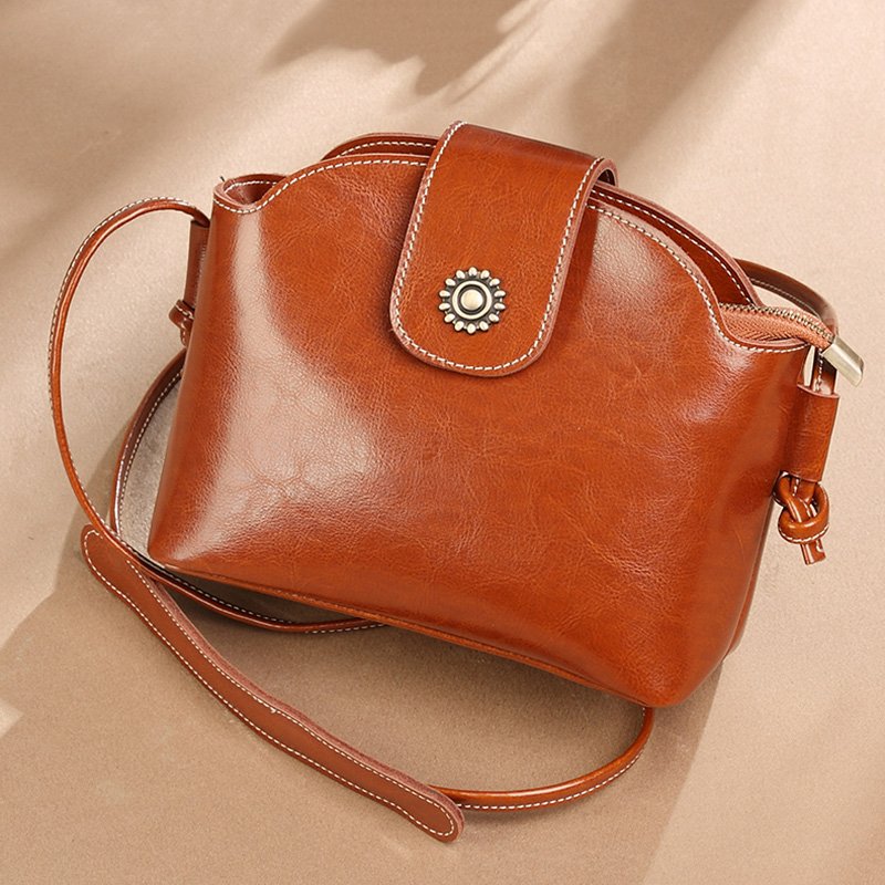 Vintage Oil Wax Cowhide Woman Crossbody Trend Genuine Leather Bucket Bag Flap Hasp Mini Shoulder Bag Gifts