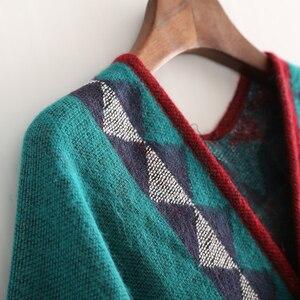 Image 5 - Mingjiebihuo nowa europejska i modna w stylu amerykańskim geometryczna imitacja koloru wygodny temperament ciepłe ponczo szalik