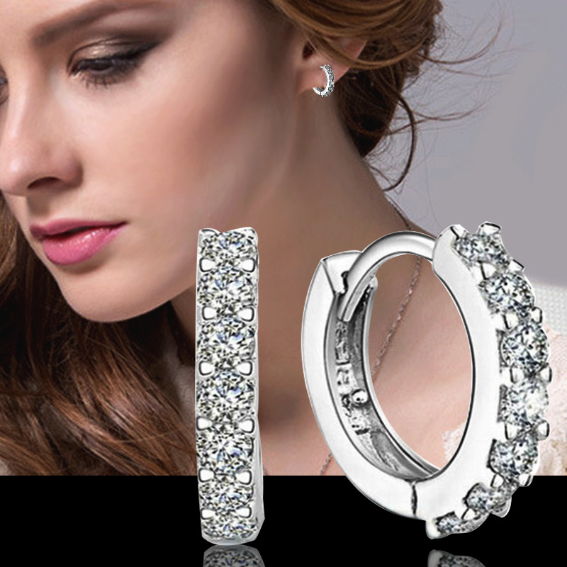 2 earrings