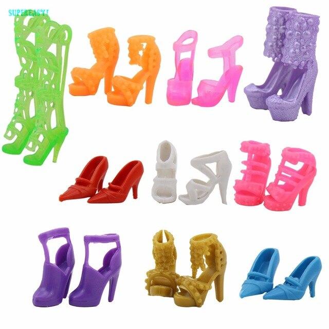 52ef62c88 Aleatória 10 pares/lote sapatos coloridos variados saltos altos sandálias  da moda estilo misto acessórios