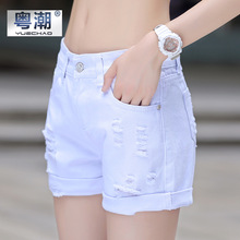 2016 spring and summer the new white hole denim shorts female Korean version of the loose three-pants shorts hot pants yc9509