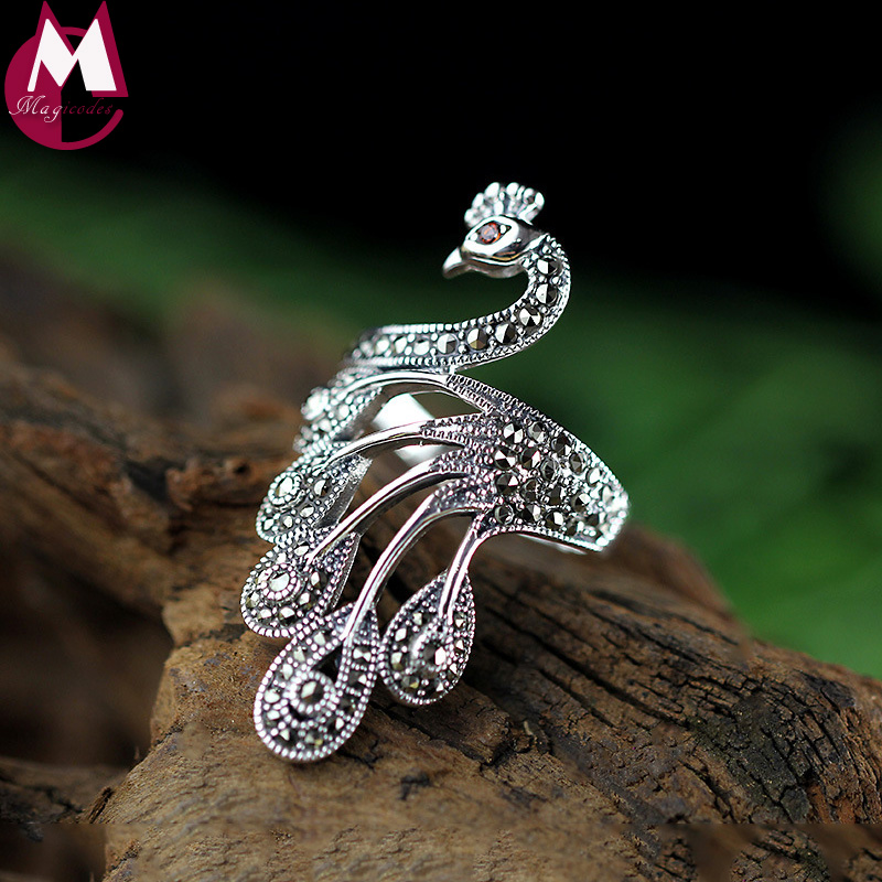 Thai Wedding Gifts: Elegant Gem Peacock Wedding Ring Thai Silver Exquisite
