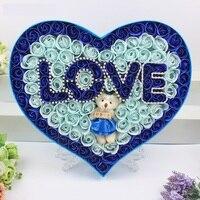 Novo 100 Pçs/lote Heart-shaped Lâmpada Romântico Little Bear Flor Rosa Sabão Caixa de Presente Flores Artificiais Dos Namorados Mãe Presente do dia