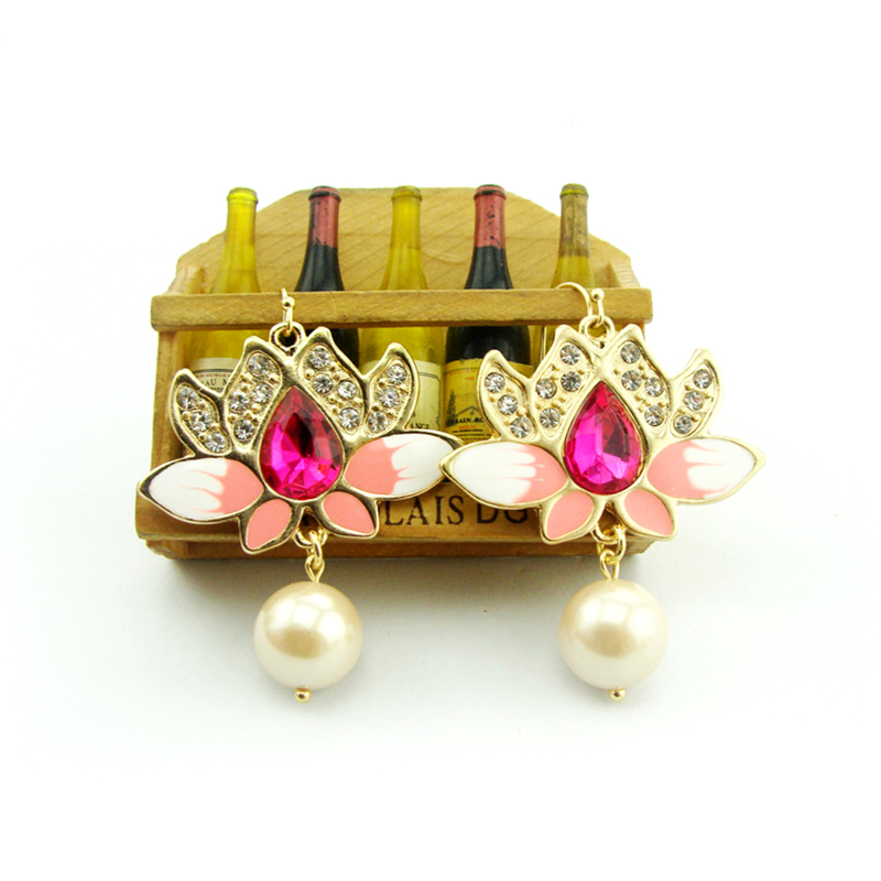Women Special store Gold alloy Diamante Rhinestone pearl pink enamel Lotus flower pendant hanging Earrings brincos female earing