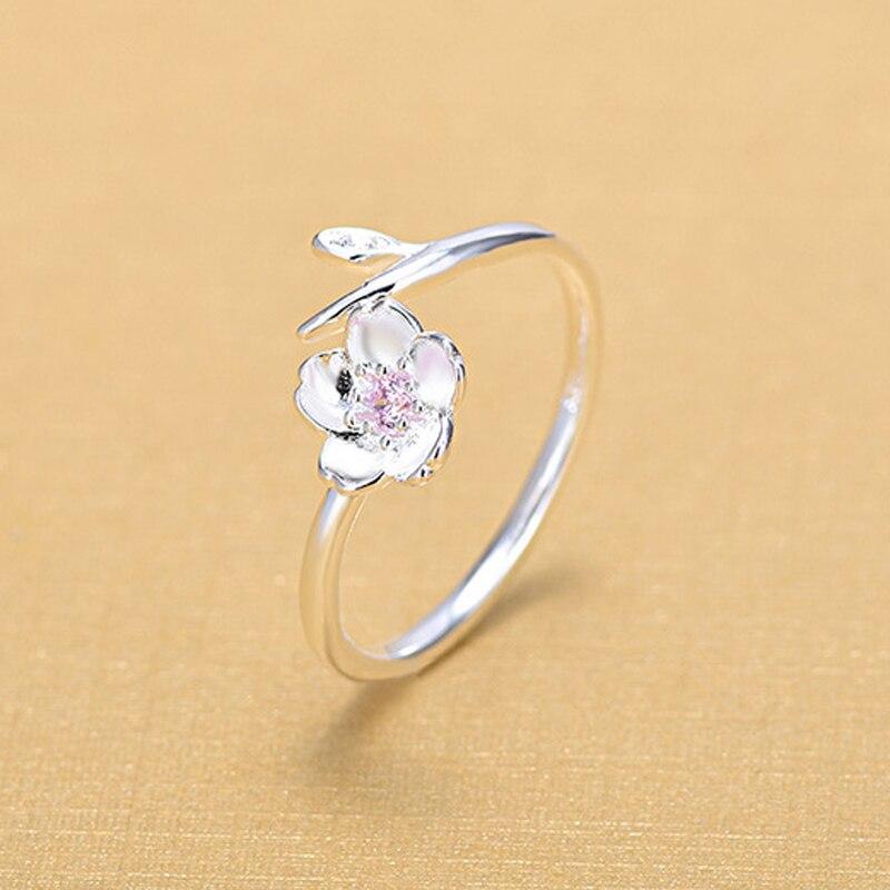 Купить женское кольцо из серебра 925 пробы с цветком вишни