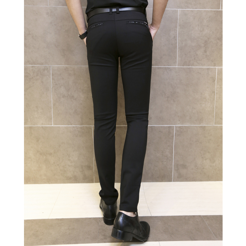 Black skinny fit joggers Jersey fabric Slim fit Back and side slip pockets Drawstring waistband Our model wears a UK 32 regular and is cm/6''' tall.