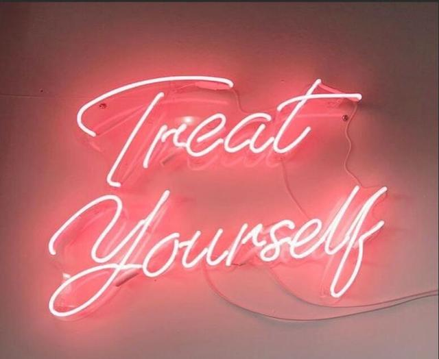 Custom Treat Yourself Blue White Red Pink Deep blue Purple Turquoise Green Yellow Glass Neon Light Beer Bar