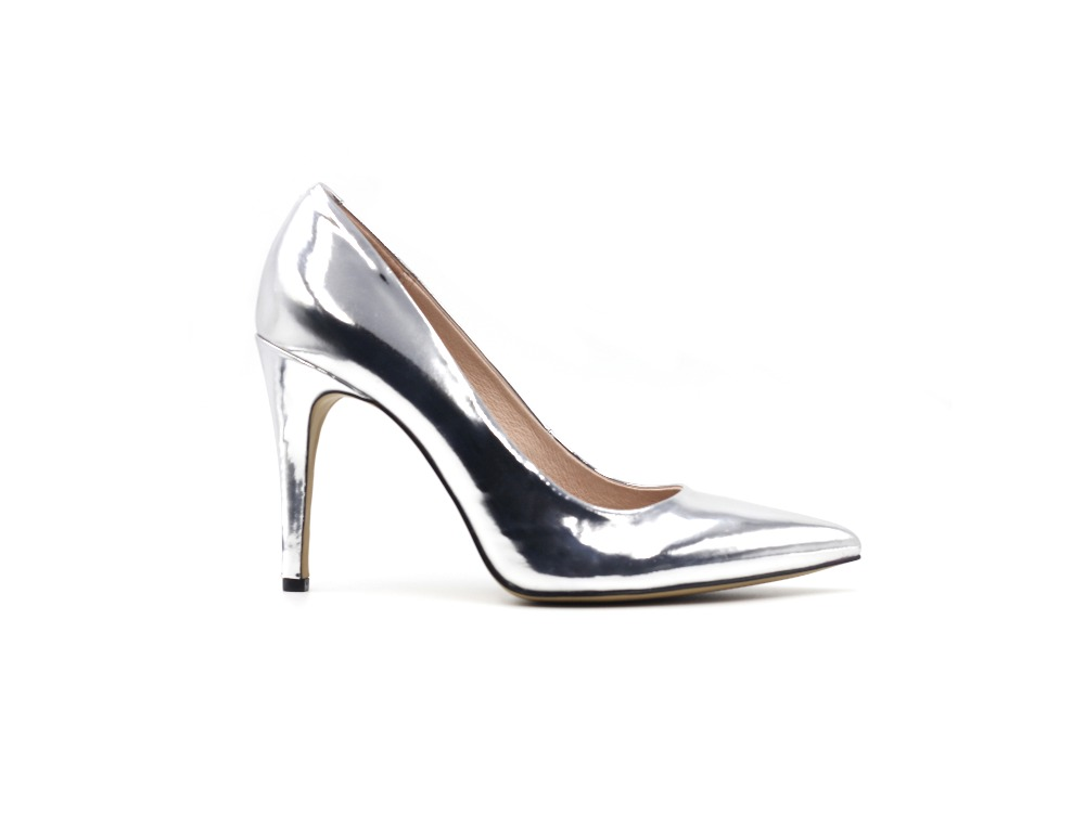 ФОТО CAMMCOTO Thin Heels Casual Pumps Fashion Comfortable Shallow Metal Film PU Women Shoes with Metal Decoration in Spring 2017